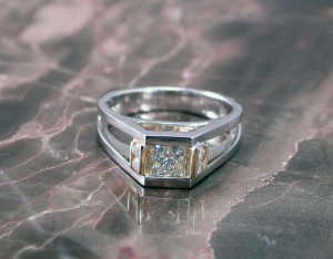 2-tone-princess-cut-eng-ring