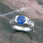 arnold-wg-bl-sapph-dia-ring