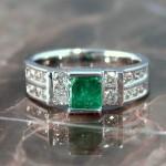 bench-emerald-dia-fashion-ring-post