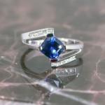 lrs0044-wg-bl-sapph-10-dia-ring