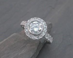 ENG0052 wg halo dia eng ring12260