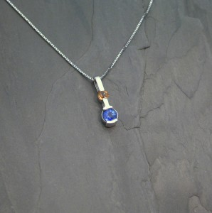 PEN0116 wg blue gold sapph 1925
