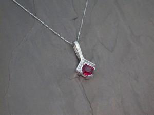 PEN0249 wg spinel 9 dia 1815